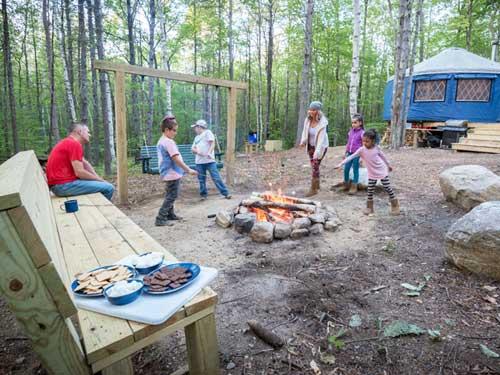 Tree Haven Yurt - Family playing